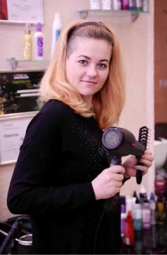 Специалист по уходу за волосами и макияжу  Специализация: окрашивание волос разной сложности (окрашивание в несколько цветов, мелирование, колорирование, брондирование, осветление), женские и мужские стрижки, лечение волос, кератиновое выпрямление волос, наращивание ресниц, коррекция и окрашивание бровей, свадебные прически, свадебный макияж
